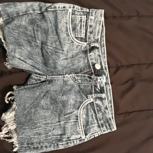 Almost famous size 3 juniors jean shorts